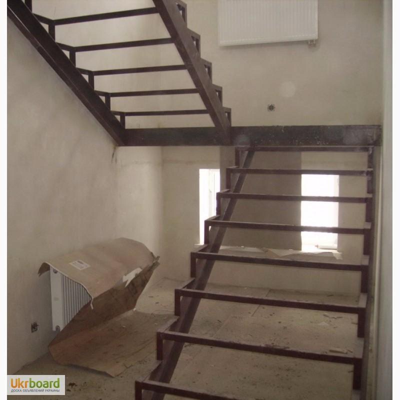 Деревянная лестница своими руками на металлическом каркасе 15