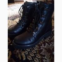 Продам женские осенние ботинки