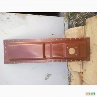 Бак радиатора нижний т-150 (150У.13.102)