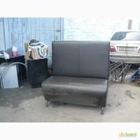 Продам черный диван б/у с высокой спинкой для кафе баров ресторанов