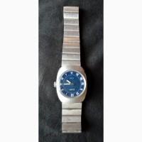 Продам наручные механические часы Слава, женские