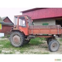 Трактор Т-16 у хорошому стані, колір - червоний, тип двигуна - дизель, коробка передач - механіка.