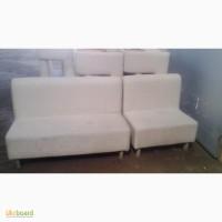 Продам серебристый матерчатый диван б/у для кафе ресторанов