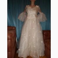 Свадебное платье пышное, новое, большого размера