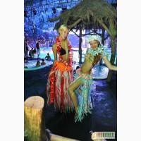 Гавайские костюмы, гавайские леи, пальмы, факелы, гавайские веночки, оформление гавайских