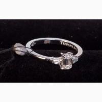 Кольцо с бриллиантами прямоугольной формы