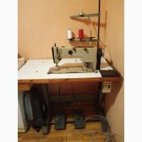 Продам промышленную швейную машинку 1022М