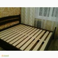 Двуспальная деревянная кровать с ящиками