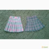 В наличии две школьных юбочки на девочку 7-8-9 лет