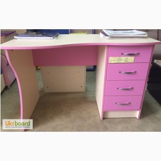 Продам новый стол розовый
