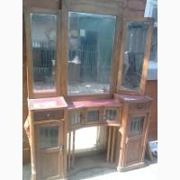 Продам старинное Трюмо (20х-30х годов)с зеркалами под реставрацию