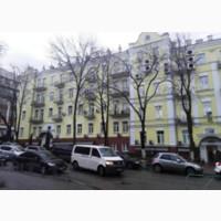 Административное здание с цокольным и мансардным этажом в Печерском районе, Киева