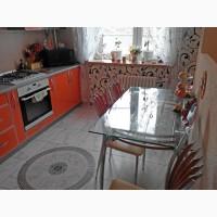 Продам: 3-комнатную квартиру с евро-ремонтом в новом доме в историческом центре города