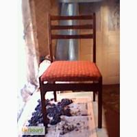 Продам стол и четыре стула новые