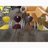 Бу стулья с подлокотниками для летней площадки. Распродажа