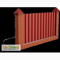 Забор из профнастила: простое и надежное решение
