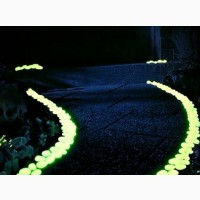 Галька с эффектом свечения в темноте для ландшафтного дизайна