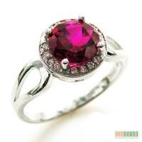 Серебряное кольцо с рубином 2,00 карат и цирконами. НОВОЕ (Код: 00124)