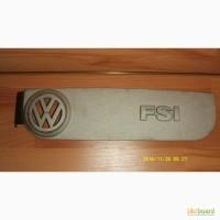 Крышка двигателя Passat B 6 2.0 литра FSI целая б/у оригинал