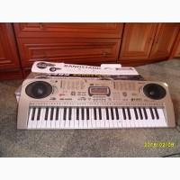 Продам синтезатор детский б/у в хорошем состоянии