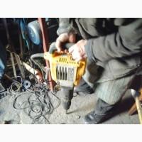 Отбойный молоток DeWALT D25900K
