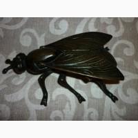 Оригинальная бронзовая пепельница с крышкой в виде мухи
