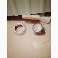Продам противотуманку и декоративное кольцо Mitsubishi L200