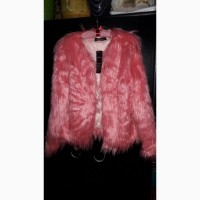 Женская яркая курточка из искусственного меха