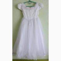 Нарядное платье на девочку 6-8 лет