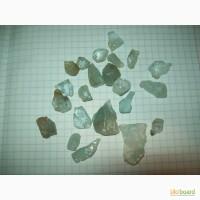 Осколки кристаллов голубого топаза 1-4 см