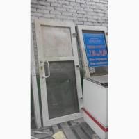 Продам двери металлопластиковые б/у