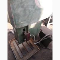 Станок вертикаьно резьбонарезной сверлильный 2Д112РП