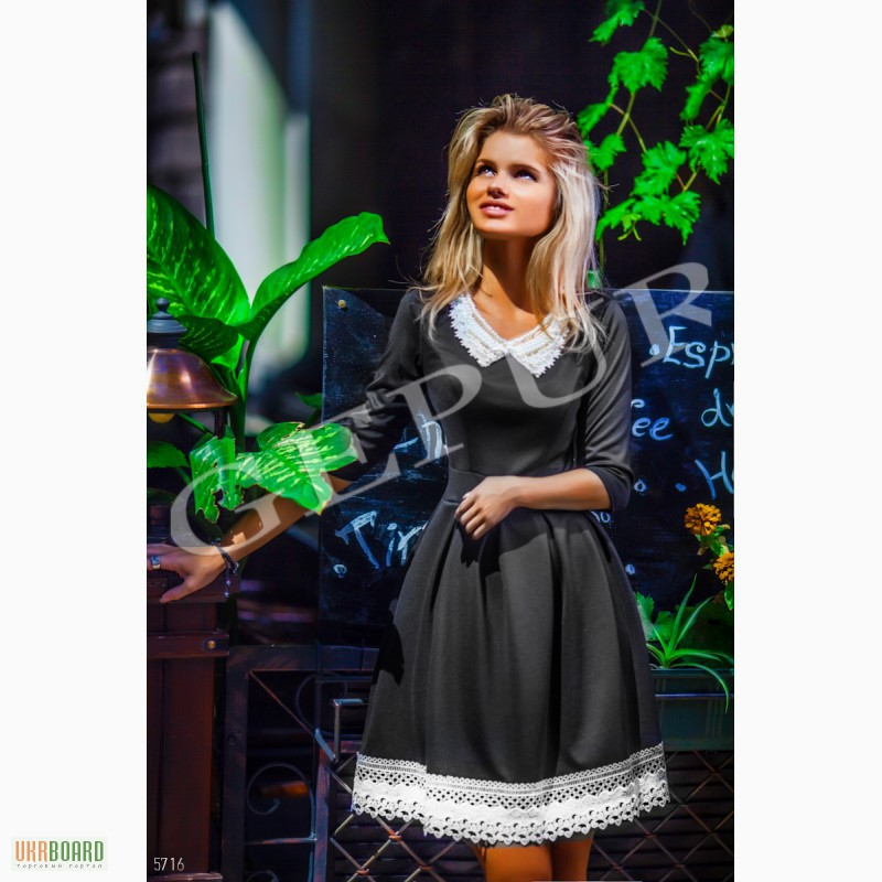 Платья с жемчужным воротником