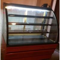 Холодильная кондитерская витрина б/у