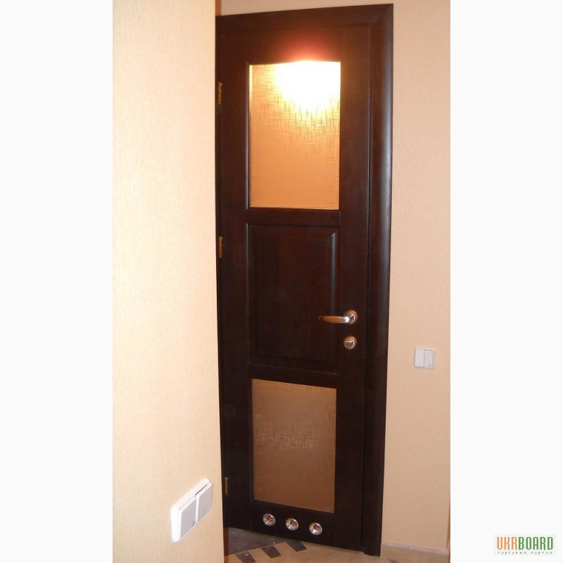 Дерев'яні двері з масиву сосни