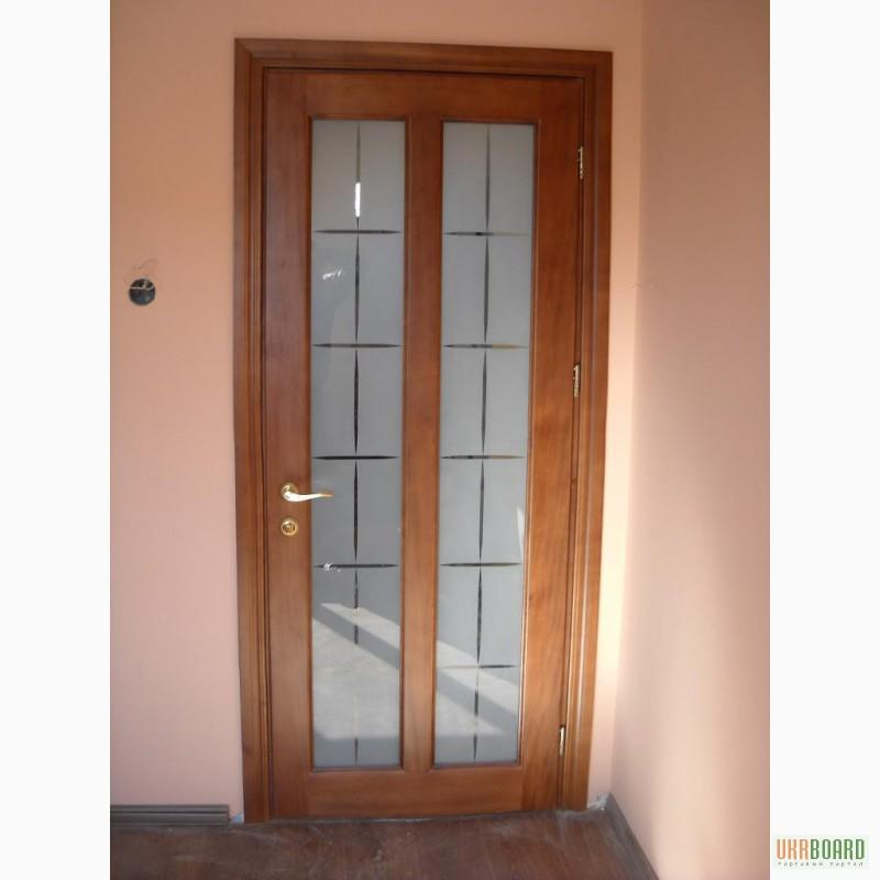 Фото 2. Дерев'яні двері з масиву сосни