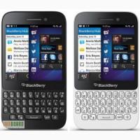 Сенсорный смартфон BlackBerry Q5 White с qwerty-клавиатурой
