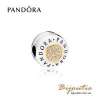Шарм-клипса PANDORA ― с логотипом PANDORA 796229CZ