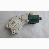 05179960AA 5179960AA Мотор стеклоподъемника двери передней правой Dodge Caliber 2 pin
