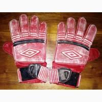 Детские вратарские перчатки Umbro