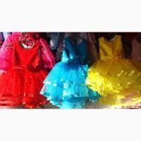 Детские платья со шлейфом, возраст 5 - 6 лет