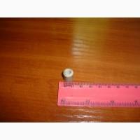 Изоляторы керамические, размеры 10*5*15мм. -5000шт. по 5грн шт. оптом торг