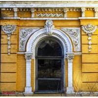 Отдельно стоящего здания. Общая площадь 2500 м2 в Киеве