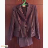 Продам новый женский деловой костюм