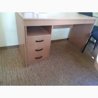 Продам столы офисные с тумбой