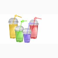 Прозрачный пластиковый стакан