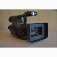Продам профессиональную видеокамеру Panasonic AG-HPX 174 ER.+ 2 Р.2 карты (по32Гб)