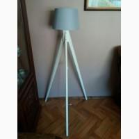 Торшер тринога, напольний світильник