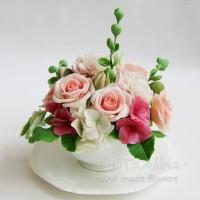 Подарок ручной работы - цветы ручной лепки в чашке