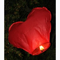 Небесные гигантские фонарики - сердца